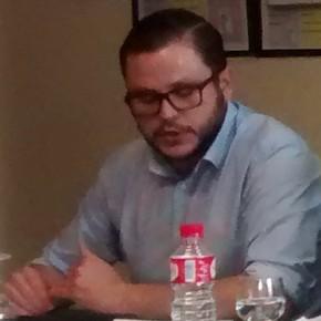 Rodrigo Ibeas charla con los estudiantes del IES Camino de Santiago