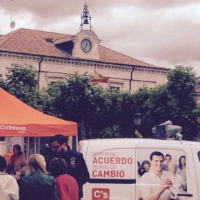 El candidato, Rodrigo Ibeas, habla con Radio Merindades de las necesidades de la zona