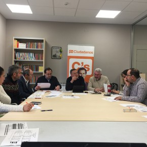 Ciudadanos acuerda presentar varias enmiendas al presupuesto tras reunirse con sus alcaldes y concejales