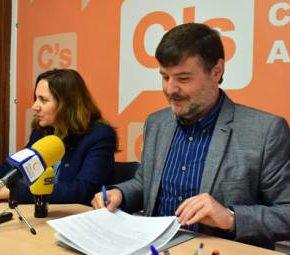 Ciudadanos pide que 600.000 euros de los remanentes se destinen al arreglo de calles