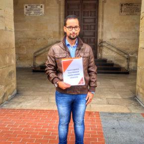 Sergio González presenta su propuesta de Reglamento de Honores en el registro del Ayuntamiento de Miranda