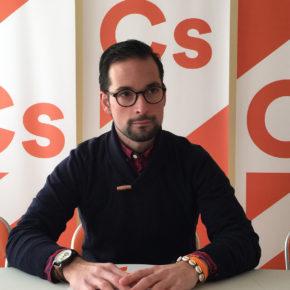Ciudadanos critica que el gobierno de Sánchez postergue para la próxima legislatura las obras del paso a nivel de El Crucero
