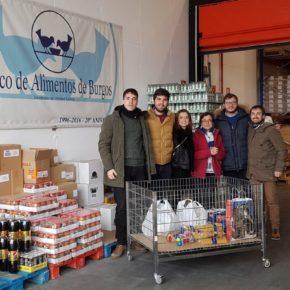 Jóvenes Ciudadanos entrega los juguetes y alimentos recogidos a favor de Cruz Roja Juventud y Banco de Alimentos durante la campaña navideña