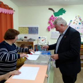 Delgado anima a votar para que la ilusión y el futuro acaben con 32 años de falta de oportunidades