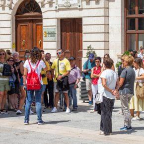 Rosario Pérez Pardo propone medidas de apoyo específicas para el sector de guías turísticos